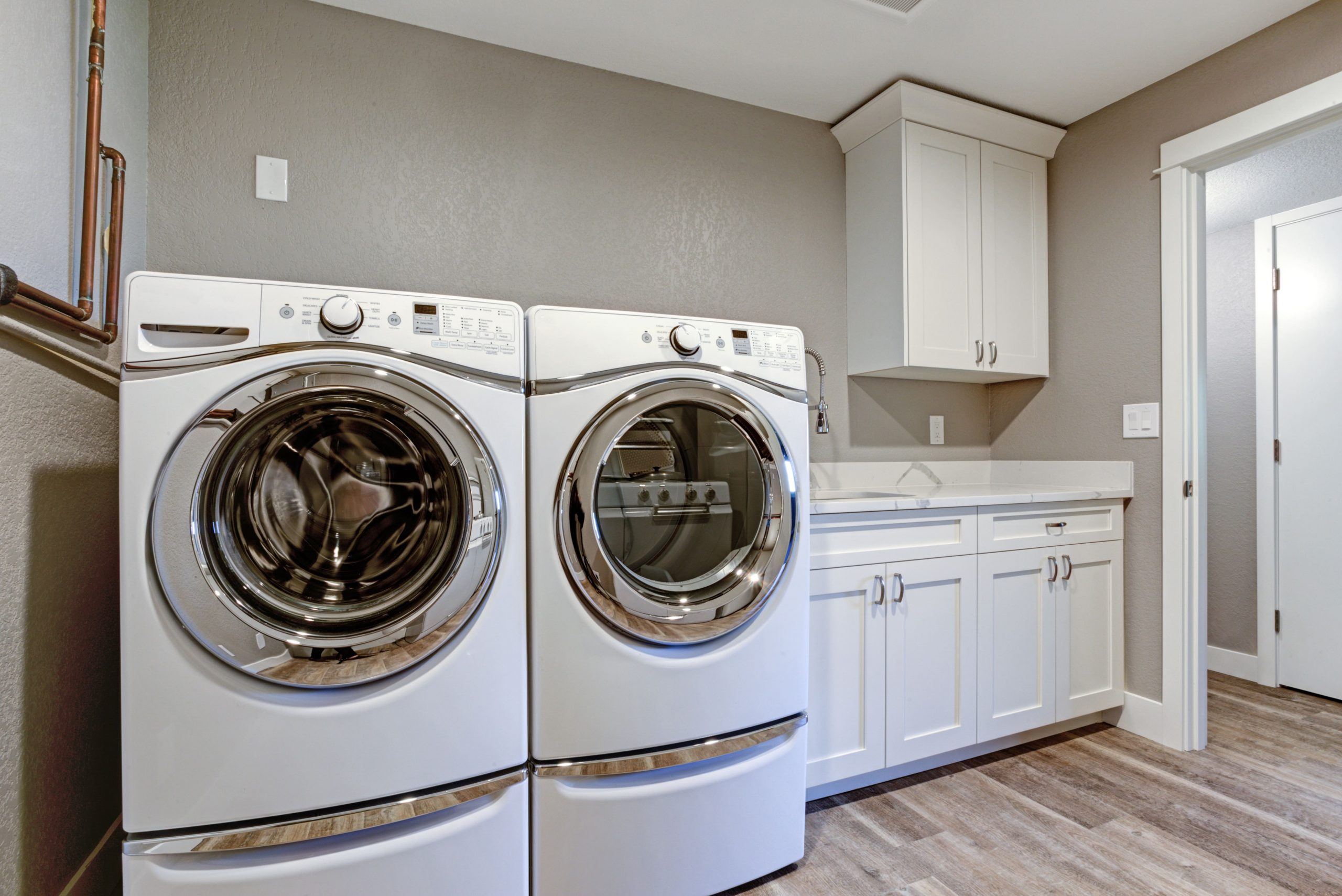 blog image of apartment washer and dryer units